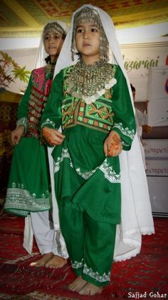 hazaragiculture/girls with hazaragi costume - Hazara Pix