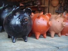 Cerditos de greda, lindas alcancías    Clay Piggys, beautiful moneybox