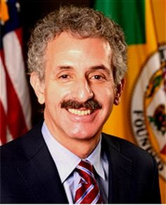 """Steadfast: LA's Landmark Billboard Ban Stands - http://anythingla.com/steadfast-las-landmark-billboard-ban-stands/ -   [caption id=""""attachment_6540"""" align=""""aligncenter"""" width=""""350""""] Los Angeles City Attorney Mike Feuer[/caption] Los Angeles City Attorney Mike Feuer praised the California Supreme Court's refusal this week to review an appellate decision upholding Los Angeles' landmark billboard ban. """"This was billboard company Lamar's last gasp in its attac"""