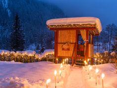 """Das Baumhaus """"Liebesnest""""  im Wellnesshotel Bergland in Hintertux. #romantik #romatikurlaub #honeymoon #hochzeitsreise #flitterwoche #baumhaus # picknick #liebesnest #kuschelnest #kuscheloase partnermassage #wellness #spa #massagen #beauty #wellnesshotel #wellnessurlaub #zillertal #bergland #überraschung"""