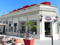 Molly's Restaurant, San Jose del Cabo: Right on the edge of town square and around corner from our hotel. Good breakfast but HUGE, should have split it lol.