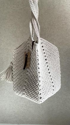 Diy Crochet Bag, Crochet Bag Tutorials, Crochet Flower Tutorial, Bead Crochet Rope, Crochet Flower Patterns, Filet Crochet, Crochet Projects, Knitting Patterns, Crochet Handbags