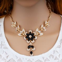 Rhinestone and Crystal Statement Necklace and Earrings Set – Little Luxuries Designs