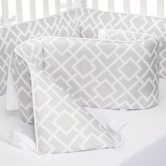 Sweet Jojo Designs Diamond Crib Bumper - Gray