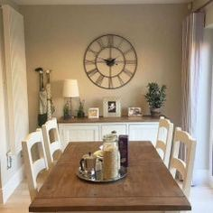 Dining room buffet decor buffet ideas on farmhouse incredible dining room sideboard decorating ideas with best Sideboard Decor, Dining Room Sideboard, Dining Room Walls, Dining Room Sets, Dining Room Design, Buffet In Dining Room, Dining Room Clock, Conservatory Dining Room, Shabby Chic Dining Room