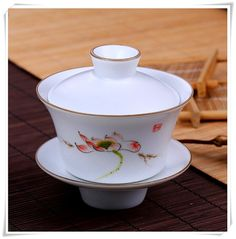 Famille Rose Porcelain Gaiwan Tea Cup with Hand by Yideceramic