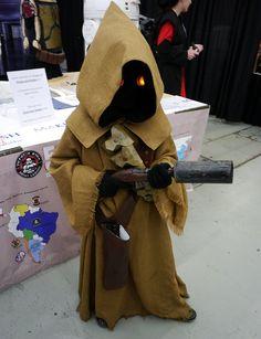 Jawa (Star Wars) at Montreal Comic Con 2012.