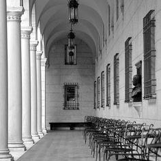 The Courtyard, Boston Public Library __________ #nikond7100 #architecture #mckimmeadandwhite #bostonpubliclibrary #boston #blackandwhite (at Boston Public Library)
