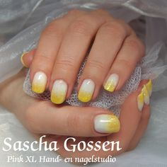 Natural nails with a summer look. With CND Shellac Studio White + CND additives Lemon Sunshine and pigment Yellow.