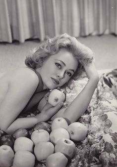 Rue Mcclanahan, Golden Girls, Old Women, Cool Girl, Couple Photos, Lady, Celebrities, Couple Shots, Celebs