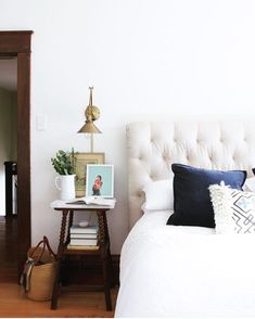 Brass Sconce next to bed in farmhouse home via The Grit and Polish 231 – Interior design Photo Gallery Bedroom Sets, Home Bedroom, Clean Bedroom, Bedroom Decor, Neutral Color Scheme, Farmhouse Master Bedroom, Beautiful Bedrooms, Decorating Your Home, Decorating Ideas