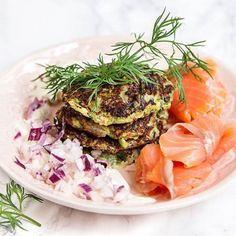Zucchinibiffar med kallrökt lax - Recept - Tasteline.com