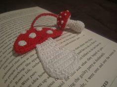 Kärpässienikirjanmerkki instructions Mushroom bookmark  #crochet pattern in Finnish