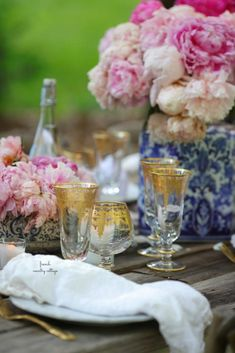 Blue, Blush & Gold summer table & 10 styling tips - French Country Cottage