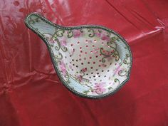Vintage Floral Footed Gold Trimmed Porcelain Tea Strainer   | eBay