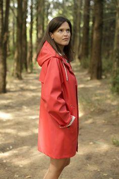 Red Raincoat, Vinyl Raincoat, Hooded Raincoat, Girls Wear, Women Wear, Rain Cape, Rubber Raincoats, Rainy Day Fashion, Rain Wear