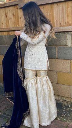 Asian Bridal Dresses, Simple Pakistani Dresses, Party Wear Indian Dresses, Pakistani Fashion Party Wear, Designer Party Wear Dresses, Indian Gowns Dresses, Indian Bridal Outfits, Pakistani Bridal Dresses, Dress Indian Style
