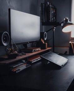 Computer Desk Setup, Gaming Room Setup, Pc Setup, Office Interior Design, Office Interiors, Dream Desk, Bedroom Setup, Home Office Setup, Workspace Inspiration