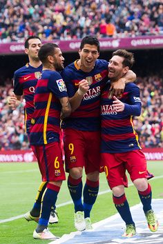 (L-R) Sergio Busquets, Dani Alves and Luis Suarez celebrate with their teammate Lionel Messi after scoring the opening goal during the La Liga match between FC Barcelona and RCD Espanyol at Camp Nou on May 2016 in Barcelona Fc Barcelona, Barcelona Football, Premier League, Rcd Espanyol, Lionel Messi Wallpapers, Messi And Neymar, Dani Alves, Real Madrid Players, Soccer Players