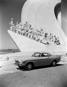 Vintage Volvo.  P1800.  Lisboa, discoveries monument.