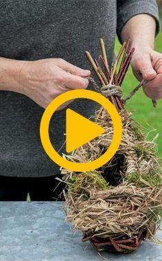 Willow Weaving, Bird Boxes, Garden Living, Felt Art, Crafts For Kids, Birds, Gardening, Green, Flowers