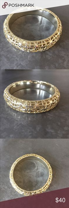 Kendra Scott Gold Bangle Kendra Scott Gold Bangle Kendra Scott Jewelry Bracelets