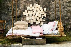 lit suspendu fabriqué en bois de palettes Europe