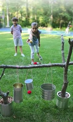 34 Fun DIY Backyard Games and Activities for Kids. Fun for July or outdoor games any time. Diy Projects For Kids, Diy For Kids, Backyard Ideas For Kids, Craft Projects, Cool Diy, Fun Diy, Easy Diy, Outside Games, Backyard Games
