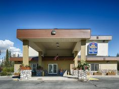 Fairbanks (AK) Best Western Plus Pioneer Park Hotel United States, North America Set in a prime location of Fairbanks (AK), Best Western Plus Pioneer Park Hotel puts everything the city has to offer just outside your doorstep. Featuring a complete list of amenities, guests will find their stay at the property a comfortable one. 24-hour front desk, facilities for disabled guests, luggage storage, Wi-Fi in public areas, car park are on the list of things guests can enjoy. All ro...