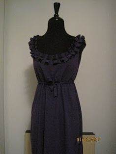 DIY Maternity Dress - not sure the pattern is on this site (I can't find it) but this dress looks fairly simple enough to figure out from the picture