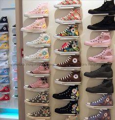 converse, i want ALL! Mode Converse, Estilo Converse, Converse Sneakers, Converse All Star, Sneakers Fashion, Painted Canvas Shoes, Aesthetic Shoes, Star Shoes, Hype Shoes