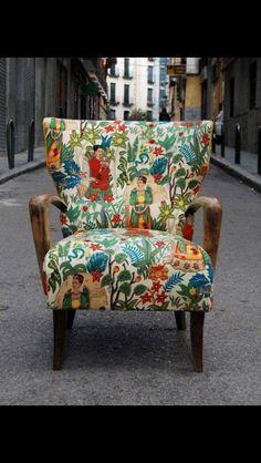 Beatiful printed chair Frida Kahlo