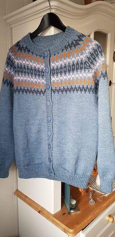 Men Sweater, Sweaters, Fashion, Moda, Fashion Styles, Sweater, Fashion Illustrations, Sweatshirts, Shirts