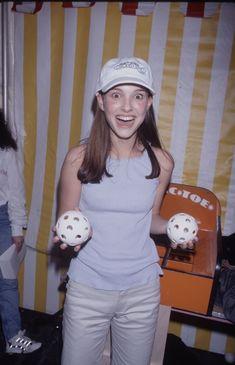 Natalie Portman Young, Mathilda Lando, Nathalie Portman, Oscar, Celebs, Celebrities, 90s Fashion, Fashion Trends, Role Models