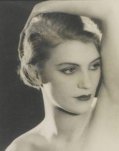 Man Ray :: Lee Miller, 1930