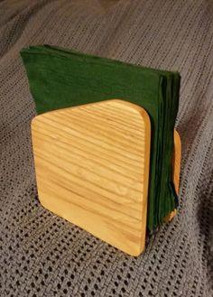 Wooden Napkin Holder by Bloodwood on Etsy Small Wooden Projects, Small Woodworking Projects, Popular Woodworking, Woodworking Wood, Wood Napkin Holder, Wood Projects For Beginners, Wooden Diy, Wood Crafts, Napkins