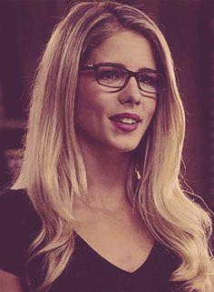 Felicity Smoak - Emily Bet tRickards| Photobucket