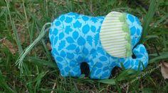 Elefante em tecido.