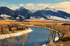 The apt named Paradise Valley runs in a line for approximately 45 miles from the northern entrance of Yellowstone National Park to Livingston, Montana.....and it is a visual spectacle.    If you are ever in the vicinity, it is well worth the trip...... pictures of nature