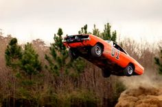 Video: AutoTrader Helps Duke Boys Replace General Lee During ...