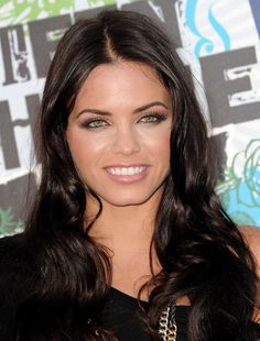 Jenna Dewan green eyes and beautiful makeup