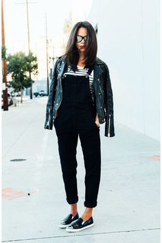 Black biker jacket, dungarees, stripe t-shirt & slip-ons Street Style Outfits, Fall Outfits, Casual Outfits, Outfit Winter, Black Dungarees Outfit, Look Fashion, Fashion Outfits, Dress Vestidos, How To Wear