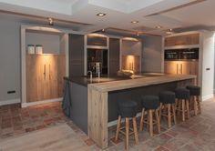 Here you will find photos of interior design ideas. Open Plan Kitchen, New Kitchen, Kitchen Modern, Küchen Design, House Design, Interior Architecture, Interior Design, Office Nook, Kitchen Lighting