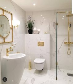 Bathroom Decor marble Bathroom bliss Love the clean white, marble, and the brass fixtures Narrow Bathroom, Gold Bathroom, Brass Bathroom Fixtures, Bathroom Canvas, White Bathrooms, Tiny Bathrooms, Luxury Bathrooms, Modern Bathrooms, Master Bathrooms