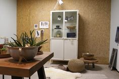 Onze stylistes hebben onze nieuwe industriële kasten mooi neergezet in de showroom!