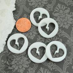 BROKEN HEART CONNECTORS - 5 Pieces - In White Laser Cut Acrylic
