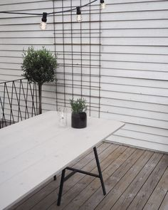 Why Teak Outdoor Garden Furniture? Garden Table, Patio Table, Diy Table, Balcony Garden, Herb Garden, Garden Pots, Ikea Garden Furniture, Diy Outdoor Furniture, Ikea Outdoor Table