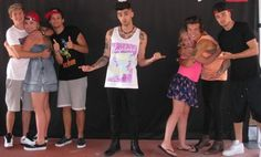 One Direction meet and greet! I'd be hugging Zayn cause he's freaking adorable