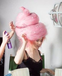 Make cotton candy costume yourself - Fasching-schmike - Halloween Cotton Candy Halloween Costume, Halloween Make Up, Cotton Candy Costumes, Candy Land Costumes, Costume Bonbon, Karneval Diy, Cotton Candy Hair, Cotton Candy Makeup, Japonese Girl