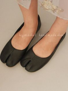 Unique Vintage Handmade Leather Flat Shoes SLIPON Loafers by HOMZ, $59.00